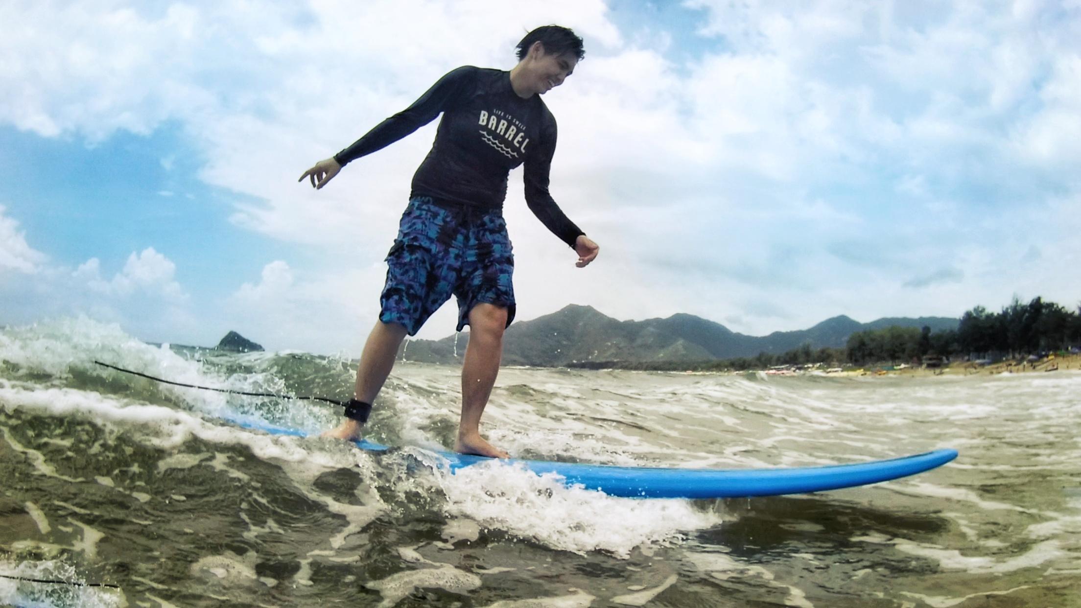 体验冲浪课程,新手也能短时间内学会并站板