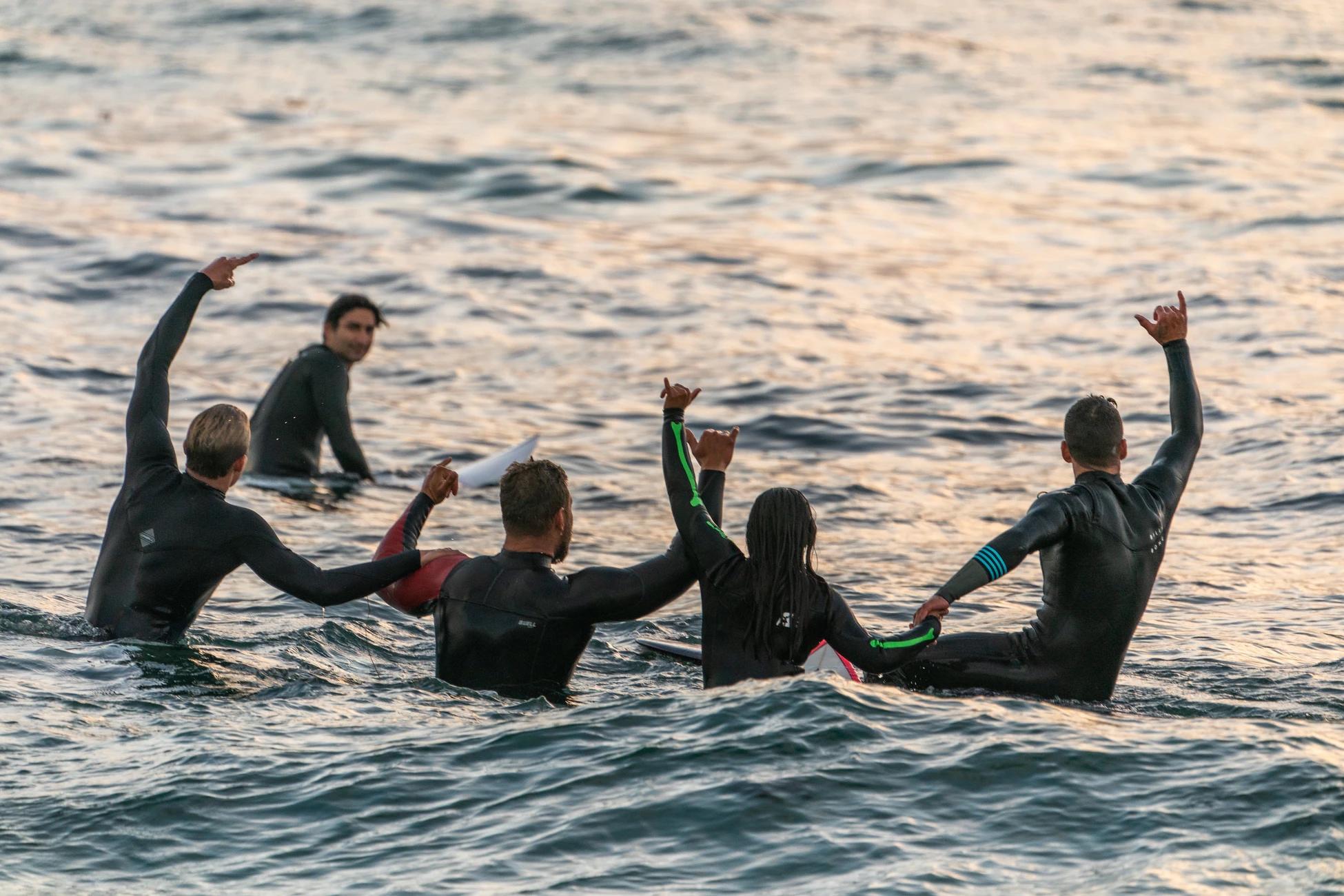 冲浪可以让人身心愉悦和开心,解放身心