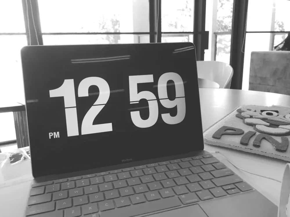 用对这款Fliqlo翻页时间电脑屏保壁纸,让你瞬间提升逼格和幸福感插图(3)